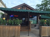 Davis Pub