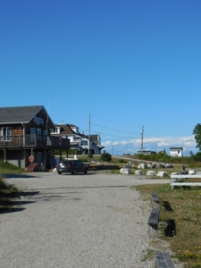 Road in town of Meldrum Bay