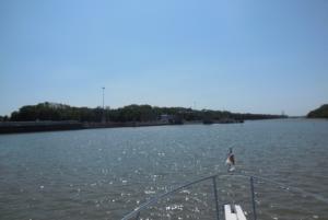 Approaching Peoria Lock