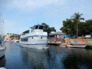 Glass Bottom Boat leaving