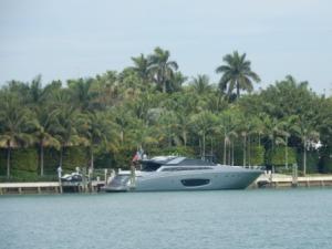 Boat looking like it should be in a Bond film