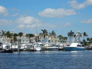 Lighthouse Point homes & boats