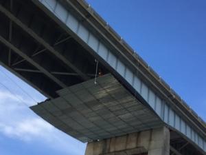 Workers on the SR520 bridge