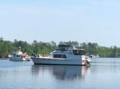 Boats behind us waiting on North Landing Bridge