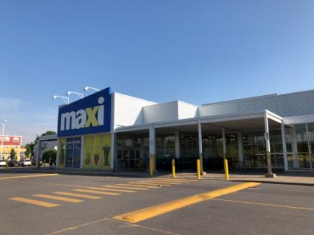 Maxi grocery store