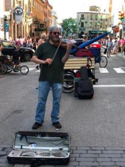 Street performer on Rue-St.Jean