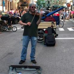 Street performer on Rue-St.Jean