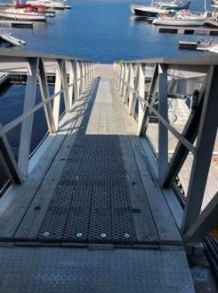 Steep gangplank at low tide