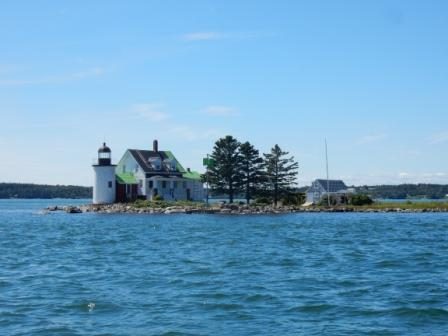 Blue HIll Bay Light - Green Island
